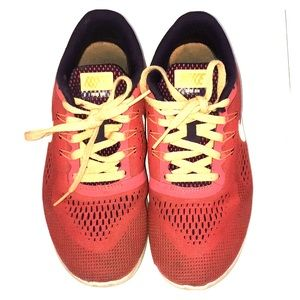 Youth Nike Frees 3.5Y